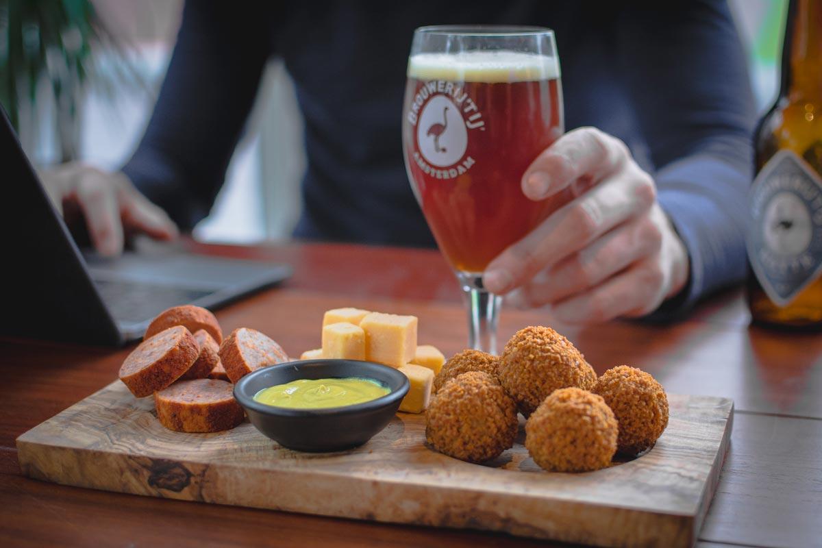 Borrel platter with beer